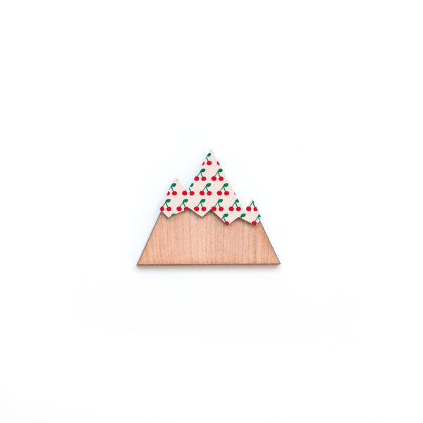broche montagne en bois